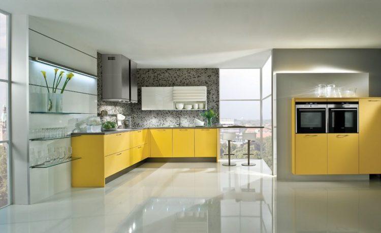 Фото: Наливной пол на кухне, вид 2